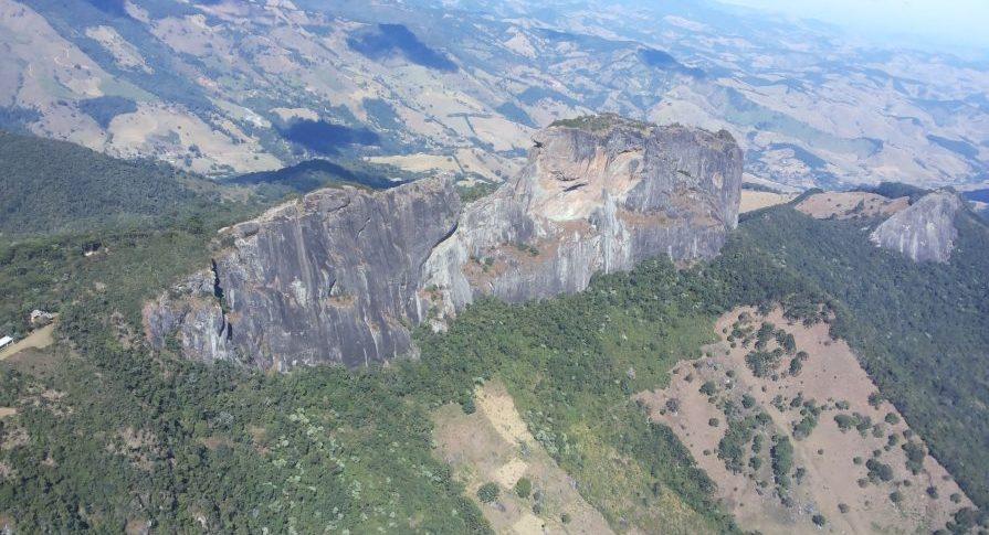 MONA - Pedra do Baú - Vista Aérea